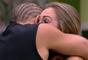 """Kaysar e Jéssica se abraçam e se consolam após serem mandados ao Paredão no """"BBB18"""""""