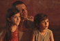 """Em """"Segundo Sol"""", Luzia (Giovanna Antonelli) foge depois de matar marido por acidente, seguindo conselho de Karola (Deborah Secco)"""