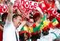 Torcedores da Polônia e de Senegal juntos na arena Spartak, em Moscou