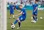 Time da Islândia aquece no gramado antes da partida contra a Nigéria pelo Grupo D da Copa do Mundo