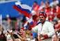 Torcedores russos no Estádio de Samara antes do jogo entre Uruguai e Rússia