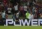 Cavani comemora após marcar gol pelo Uruguai