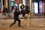 Torcedores e policiais se envolveram em confusão após a vitória da França sobre a Bélgica