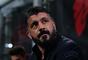 Após uma temporada e meia no comando do Milan, o técnico e ex-jogador do clube Gennaro Gattuso, deixou o cargo de treinador da equipe. Em entrevista ao jornal italiano 'La Repubblica', o técnico de 41 anos disse que seu tempo no cargo já chegou ao fim, abdicando de mais dois anos de contrato e quase R$ 25 milhões.