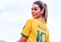 Vivian Amorim aposta em fantasia inspirada na jogadora Marta para o Bloco da Preta 2020