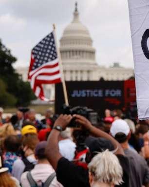 Manifestantes pró-Trump se reúnem para protesto no Capitólio