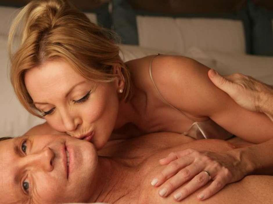 Mulher de idade fazendo sexo [PUNIQRANDLINE-(au-dating-names.txt) 63