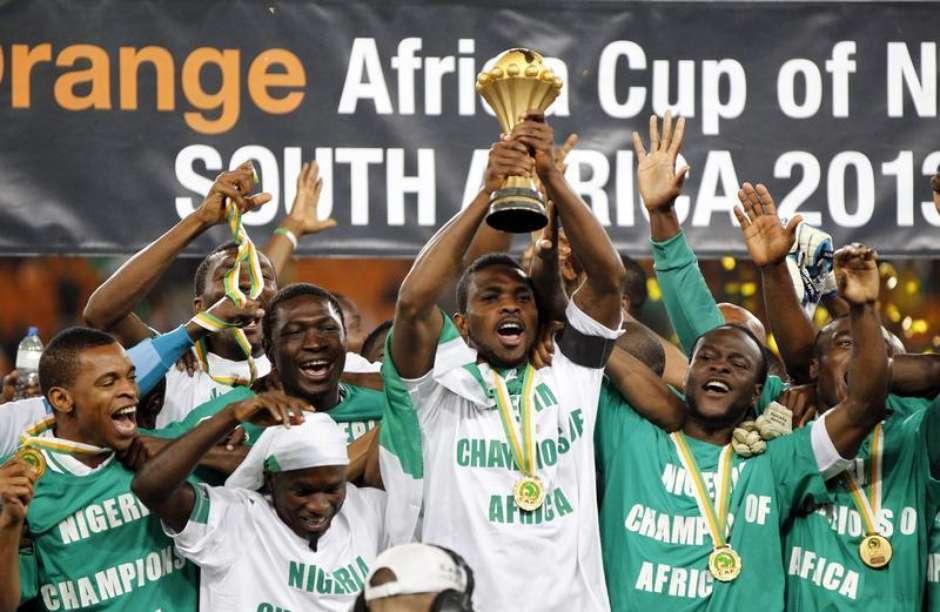 Nigéria salta 22 posições no ranking da Fifa após título africano  Brasil é  18º 2a953a2bca3b4