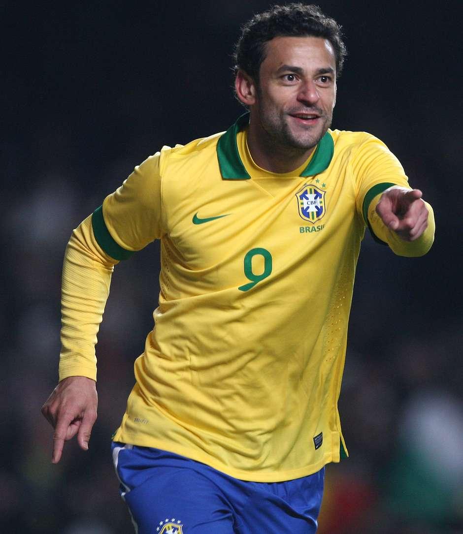 Fred marca no fim e salva Brasil de vexame contra a Rússia cec2ff721d3dd
