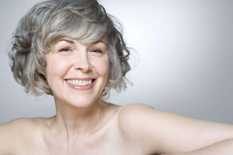 Estudo diz que cabelos brancos podem ser evitados f9474f9648
