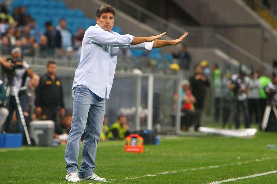 585e70c5cf Grêmio vai reforçado de cinco jogadores para enfrentar Fluminense