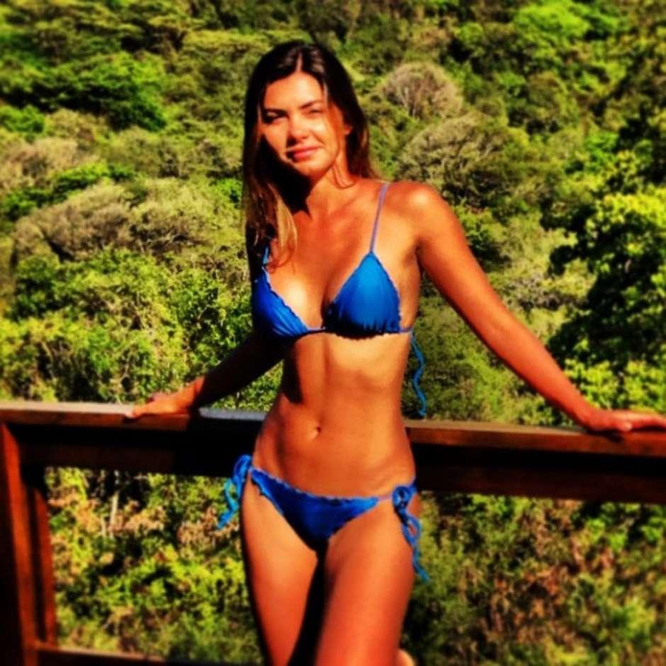 Bikini Leticia Wiermann Datena nude photos 2019