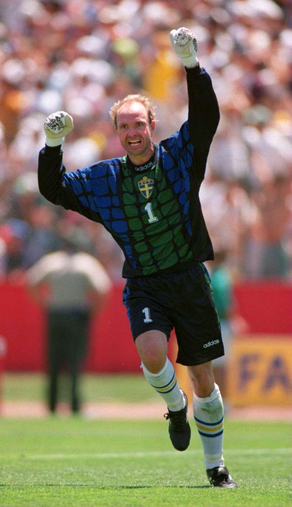 c2f2e2b827 Goleiro da Suécia em 1994 revela decepção por gol de Romário