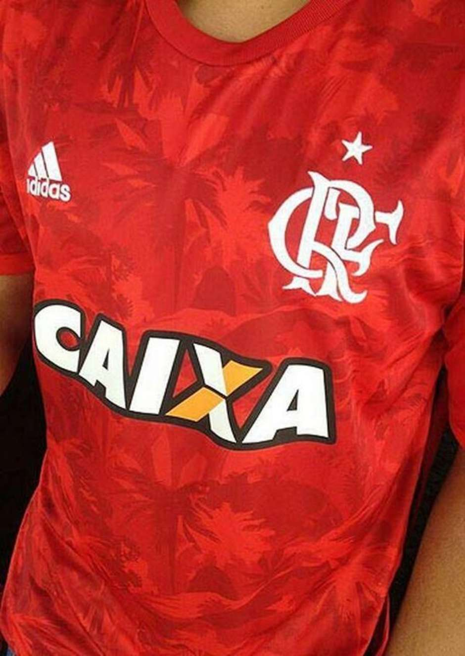 550edb1642 Nova camisa do Flamengo vaza na internet e recebe críticas