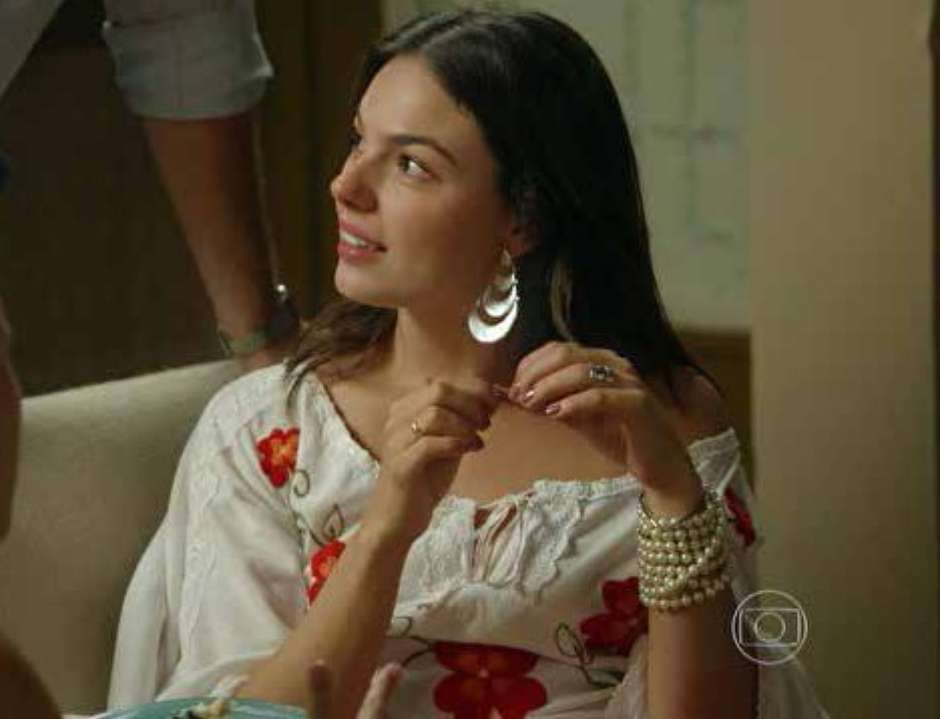 Óculos de R  350 de Marina Ruy Barbosa é mais pedido da Globo 635051f759