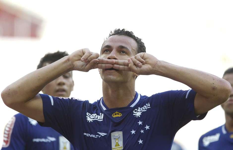 Cruzeiro divulga lista de dispensa com Damião e Júlio Baptista 9356476c07406