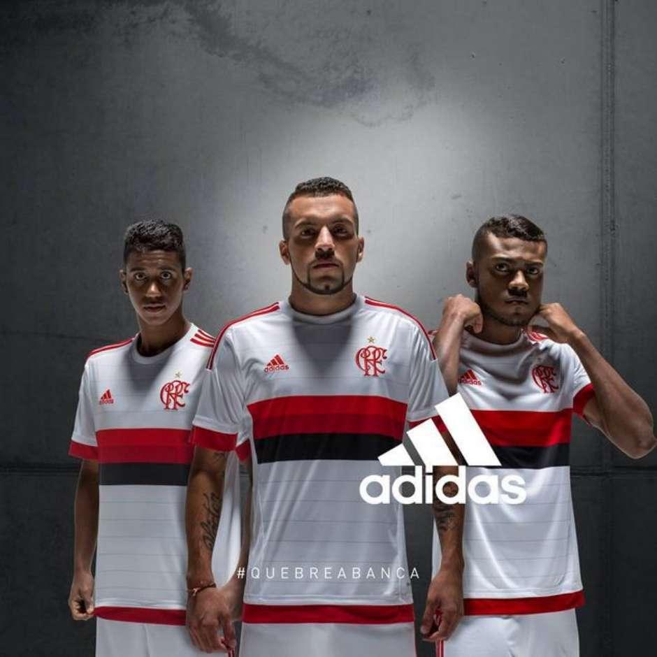 c282e34edf7f8 Flamengo lança camisa número dois semelhante à do Bayern de Munique