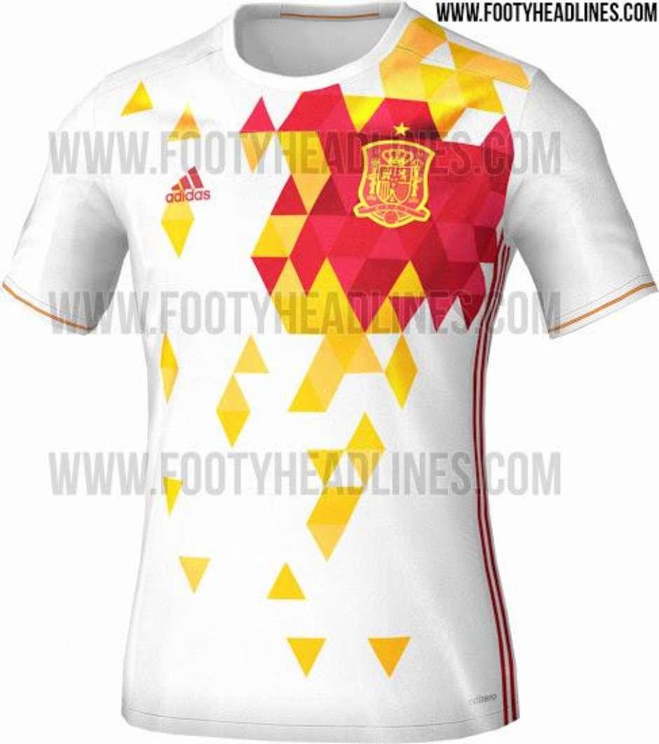 1bba67cda4d04 Possível camisa reserva da Espanha vaza na internet e modelo é  chamativo