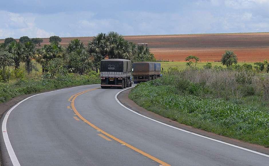 Veja 27 Frases Bem Humoradas Dos Para Choques De Caminhões