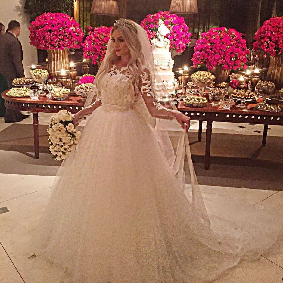 a20873159c Escolha o vestido de noiva perfeito para o grande dia