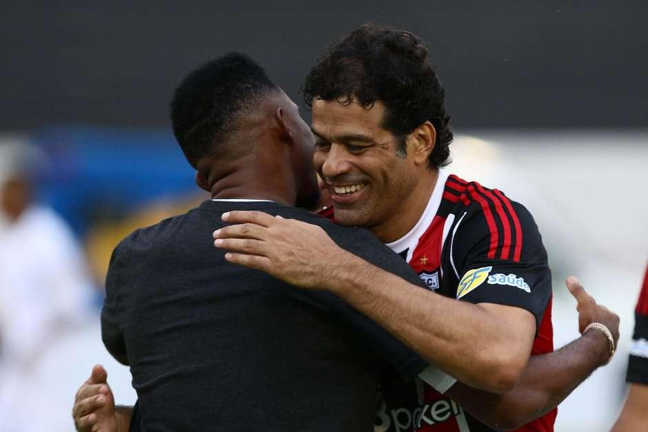 ed058dd8fb Eto o faz história no Come-Fogo ao marcar por Comercial e Botafogo-SP