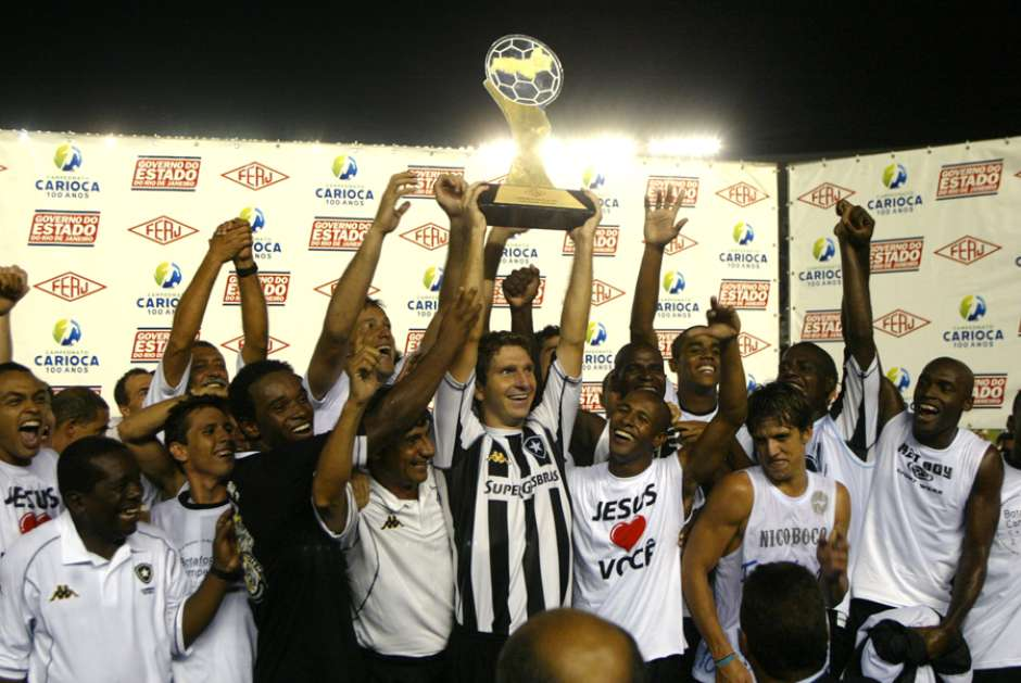 51d3d254d1 Confira imagens das últimas finais de Carioca disputadas pelo Botafogo
