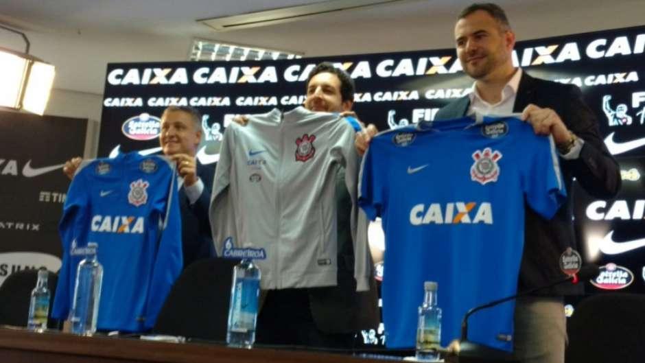 Corinthians anuncia patrocínio de cervejaria espanhola por três anos a3e277174a3a5