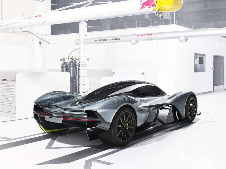 Aston Martin: AM-RB 001 al auto Show Internacional de Canadá