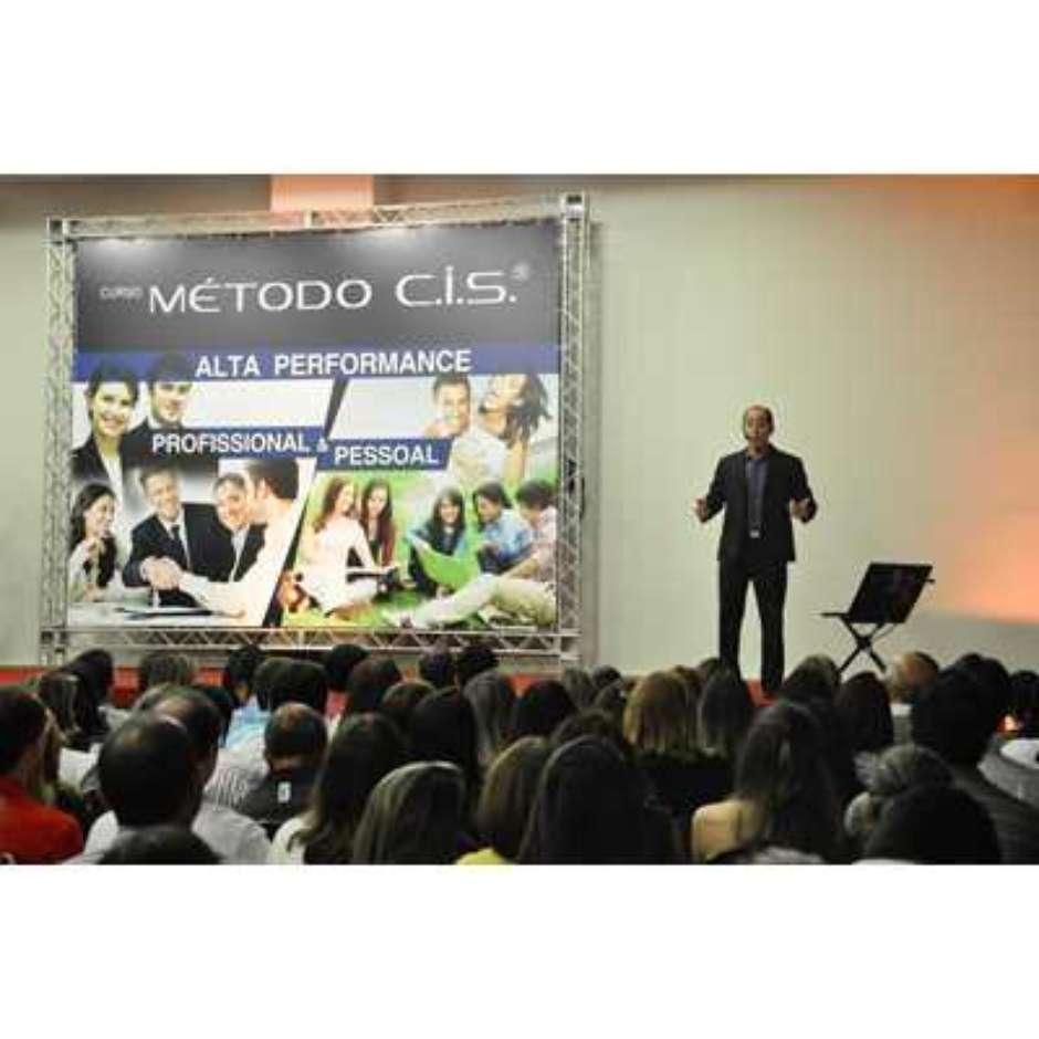 7c2f3125ef8a8 São Paulo recebe o maior treinamento de inteligência emocional da América  Latina