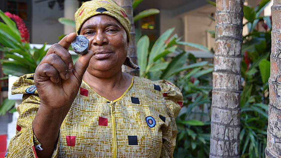 Com o dinheiro das pedras que encontrou, Pili fez sua própria empresa, que hoje tem 70 funcionários