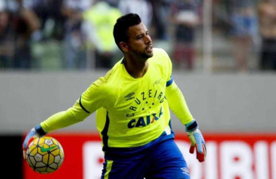 Fábio minimiza perda da braçadeira de capitão do Cruzeiro   Só acessório  53ccc42aff77e
