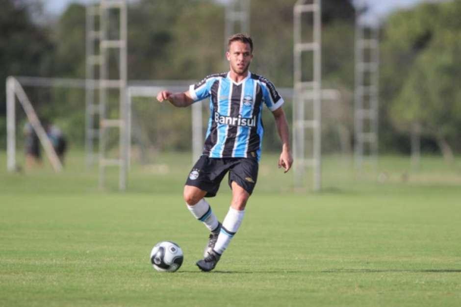 Atlético de Madrid está de olho em volante do Grêmio 840b5e93d3387