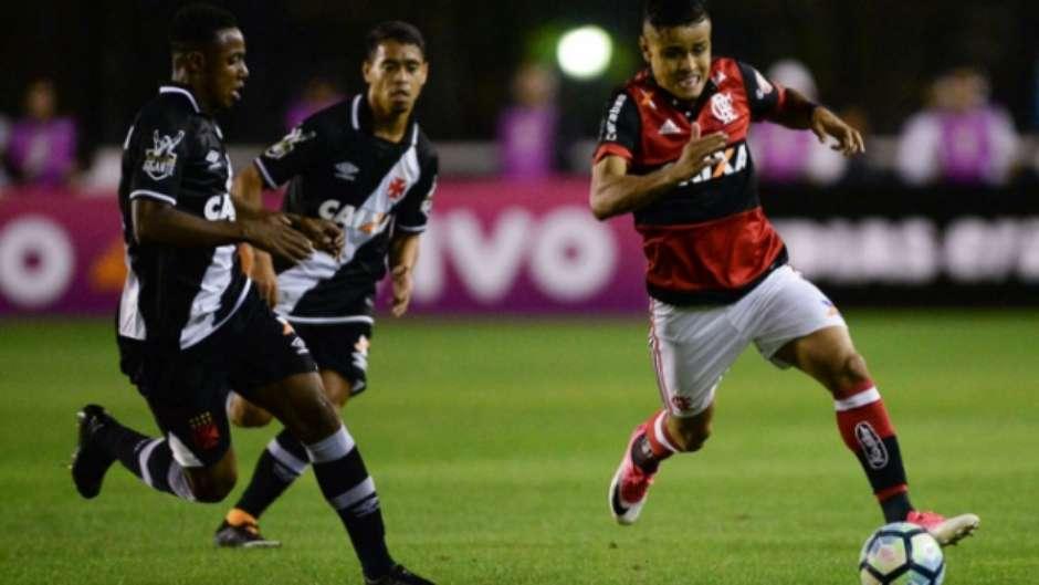 a4de328f97 Flamengo vence o Vasco em São Januário