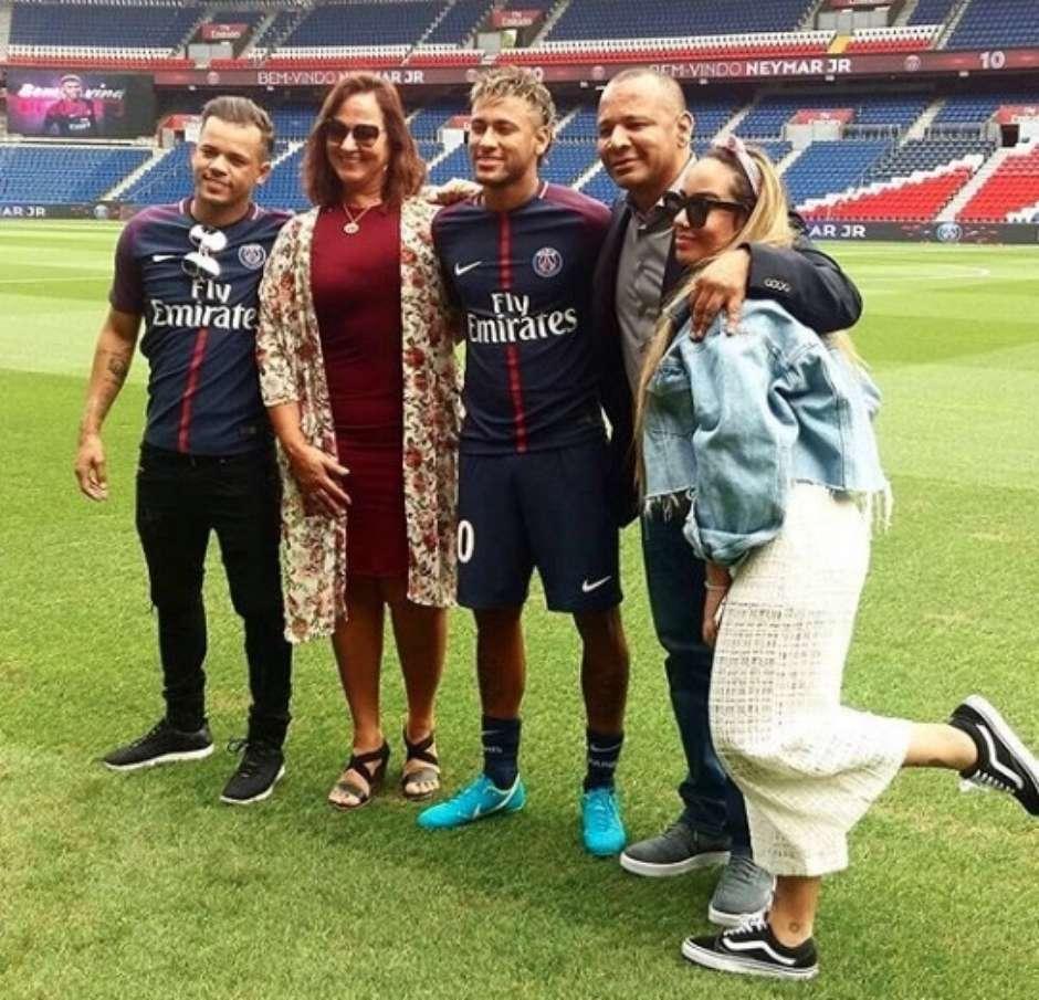 Barcelona notifica Uefa sobre venda de Neymar ao PSG 5edda62cce9db
