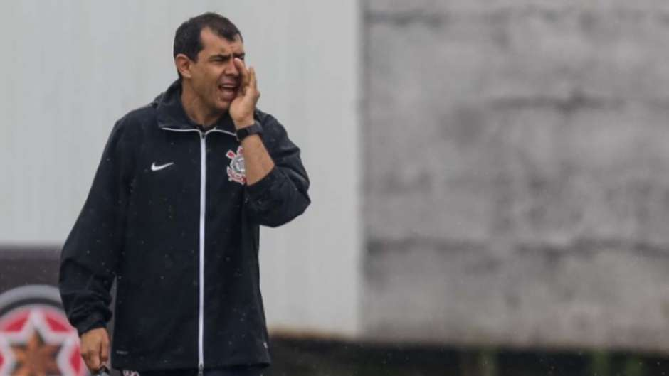 56ac482e8a  Esqueça o Palmeiras   Carille espera autocontrole