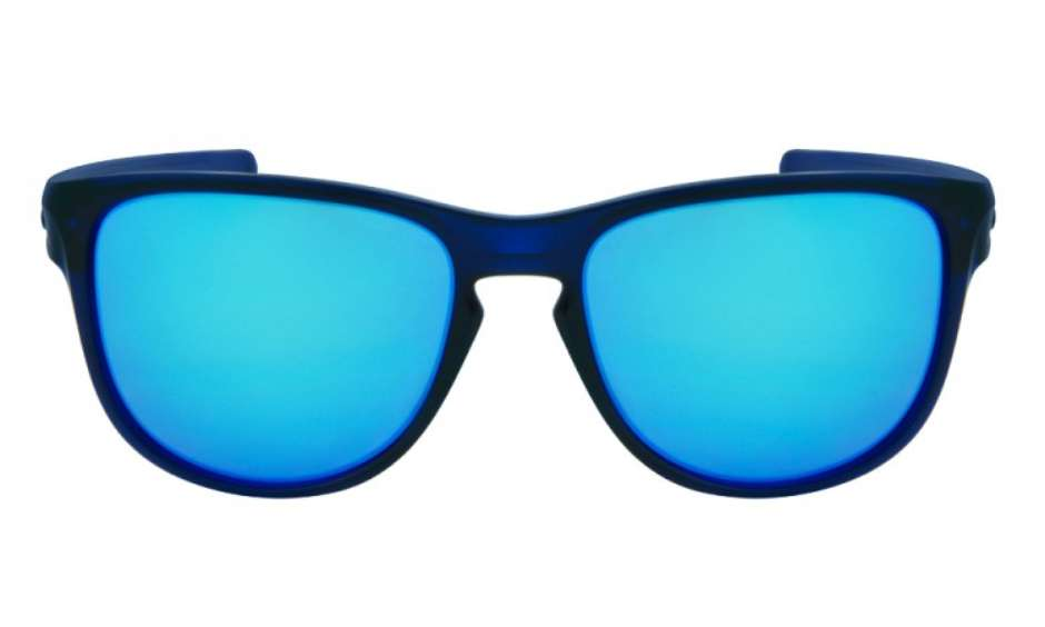 Óculos Oakley é uma ótima opção para visual esportista e radical c9a9a23464