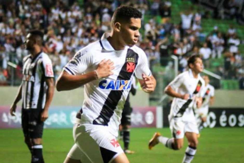 3f8c053075 PSG busca outra joia brasileira e marca reunião por Paulinho