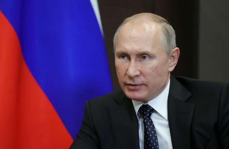 Putin ordena retirada de forças russas da Síria
