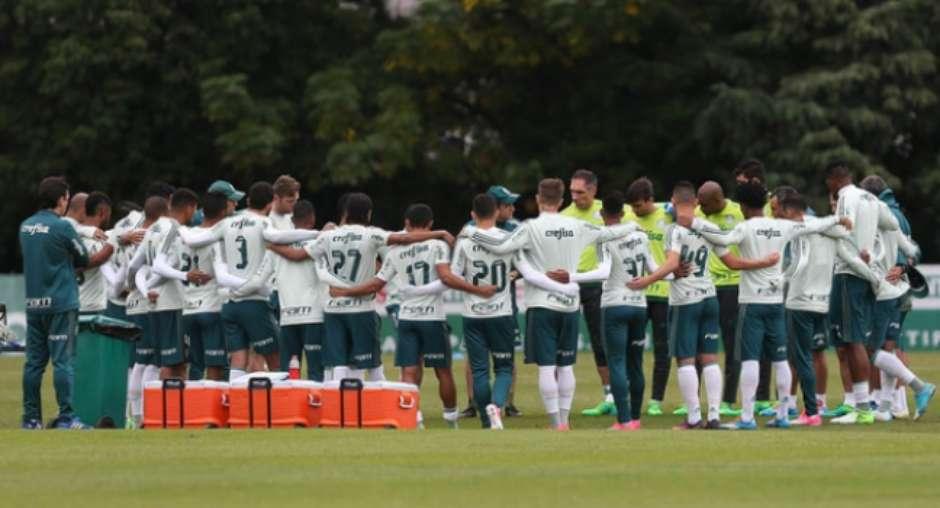 Palmeiras quer elenco com 31 atletas em 2018  veja como está a montagem 76d0f8d3b80bb