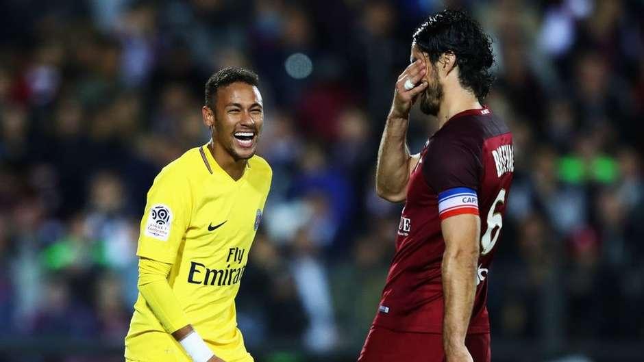 5adad7b9af Por que Cristiano Ronaldo - eleito o melhor do mundo - não é o jogador mais  caro do futebol