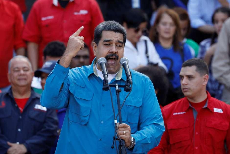 Rex Tillerson levanta possibilidade de militares venezuelanos derrubarem Maduro