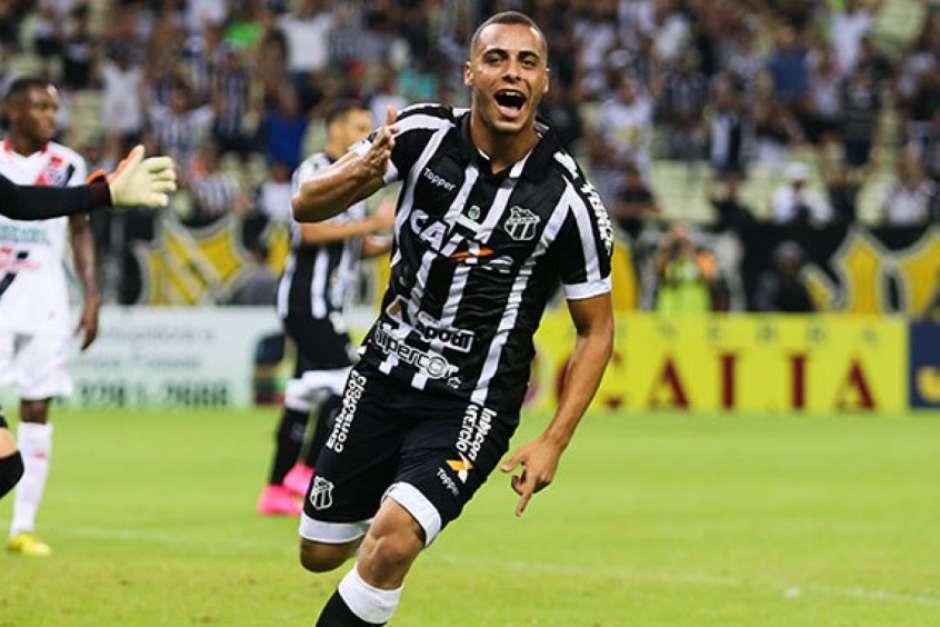 Ex-base do Palmeiras 0e48e68bba479