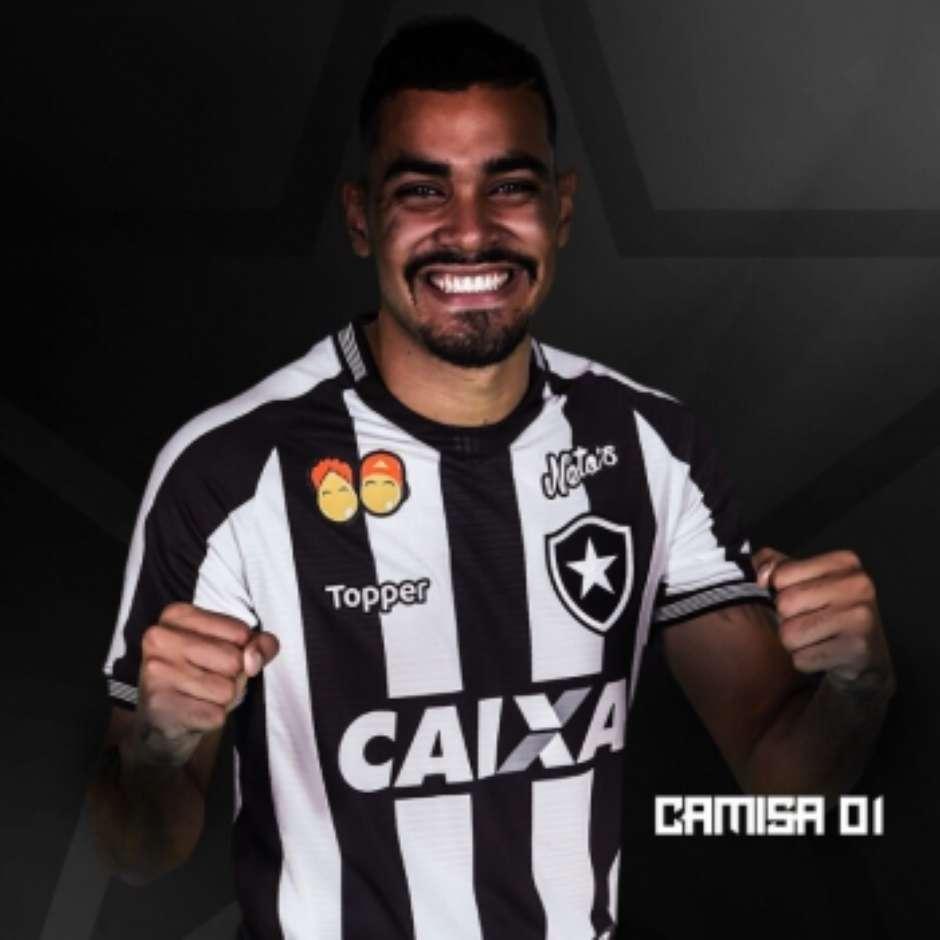 2da3938a33 Botafogo lança novos uniformes com festa da torcida no Nilton Santos