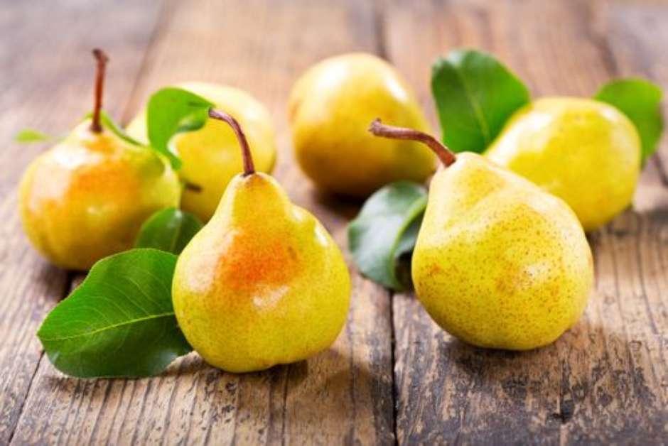 Benefícios da pera para a saúde: confira