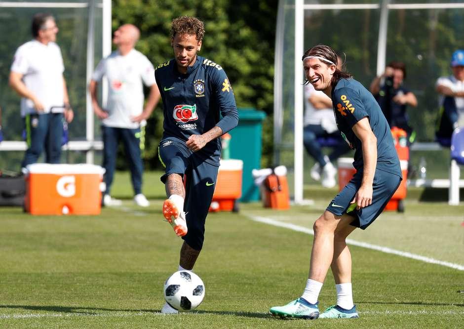 4649f6e0f7 Seleção faz trabalhos físicos na academia do Tottenham