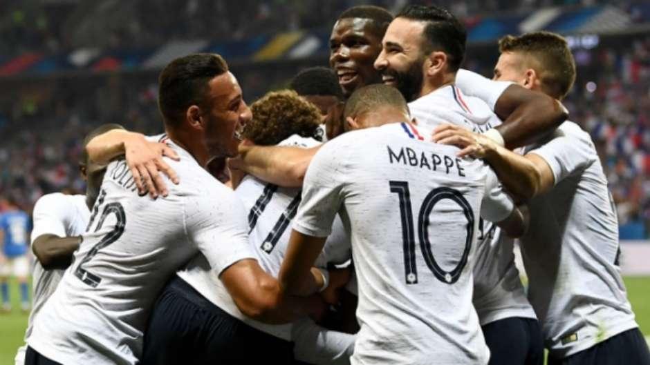 749343961b França aposta na juventude e talento diante da Austrália na estreia