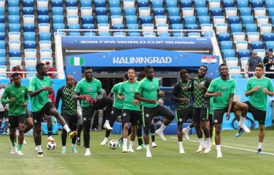d00744866a7e3 Rússia proíbe nigerianos de levarem galinhas a estádio