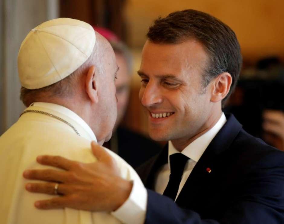 Presidente Frances Macron E Papa Francisco Tem Longa Reuniao No Vaticano
