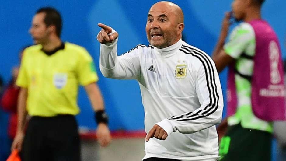 00a1103048 Vídeo sugere que Sampaoli perguntou a Messi se deveria colocar Aguero