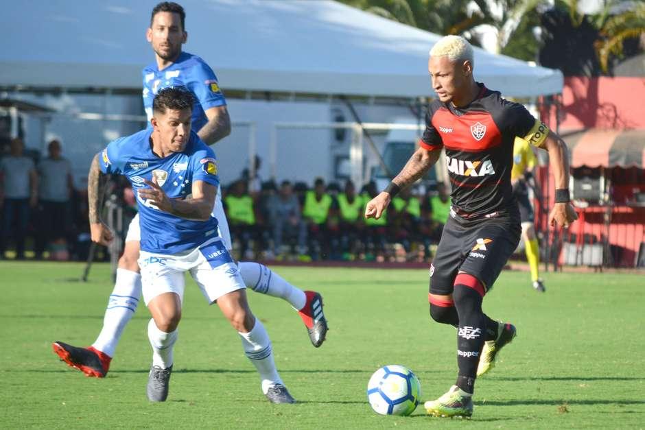 Vitória e Cruzeiro acordam no 2º tempo 1b9e241feae4d